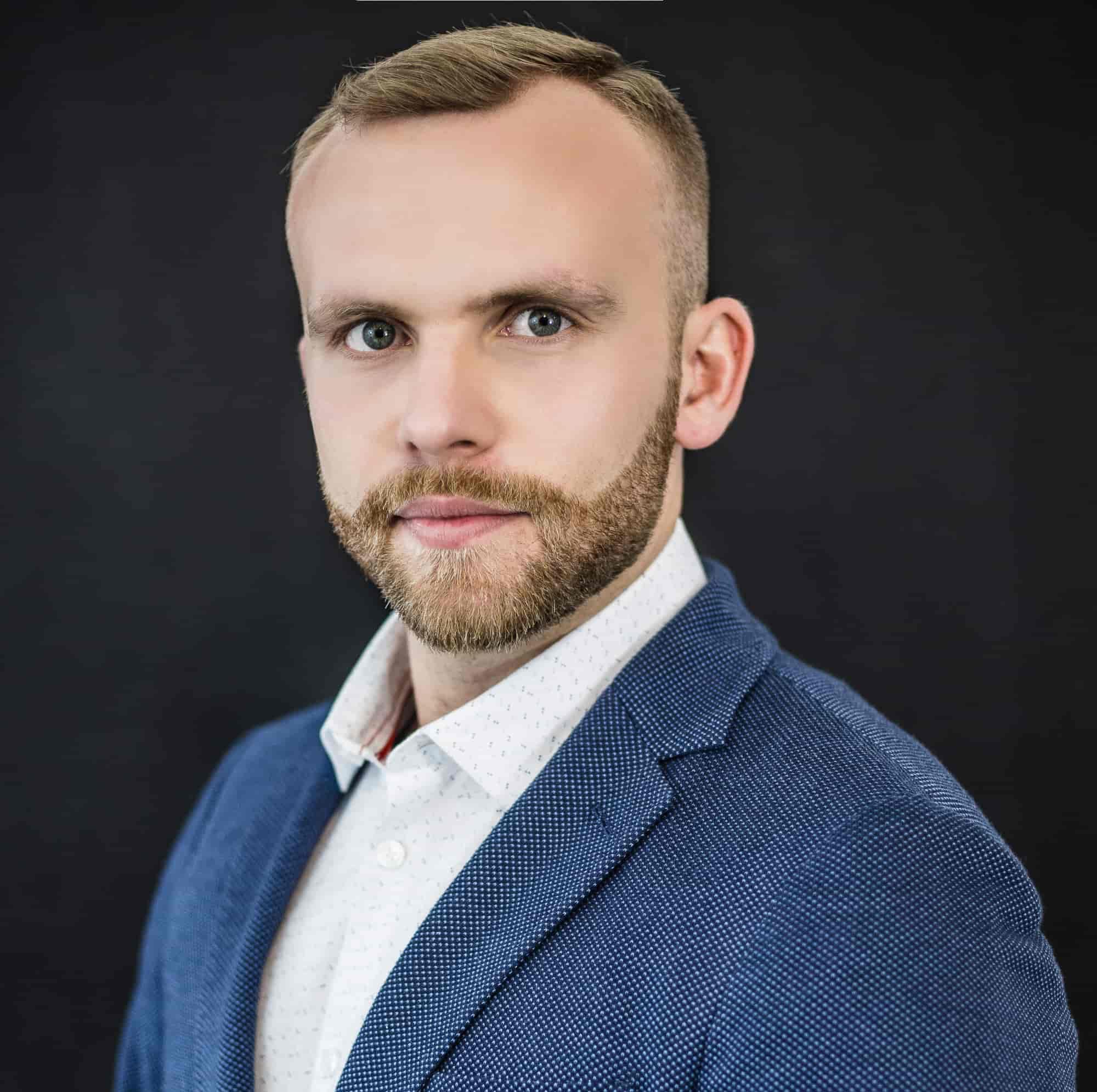 Mateusz Kuchcińskii-min